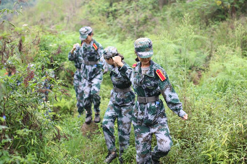 2015级新生军训特色项目——野外拉练