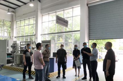 中国铁路成都局重庆机务段领导到重庆运输职院调研